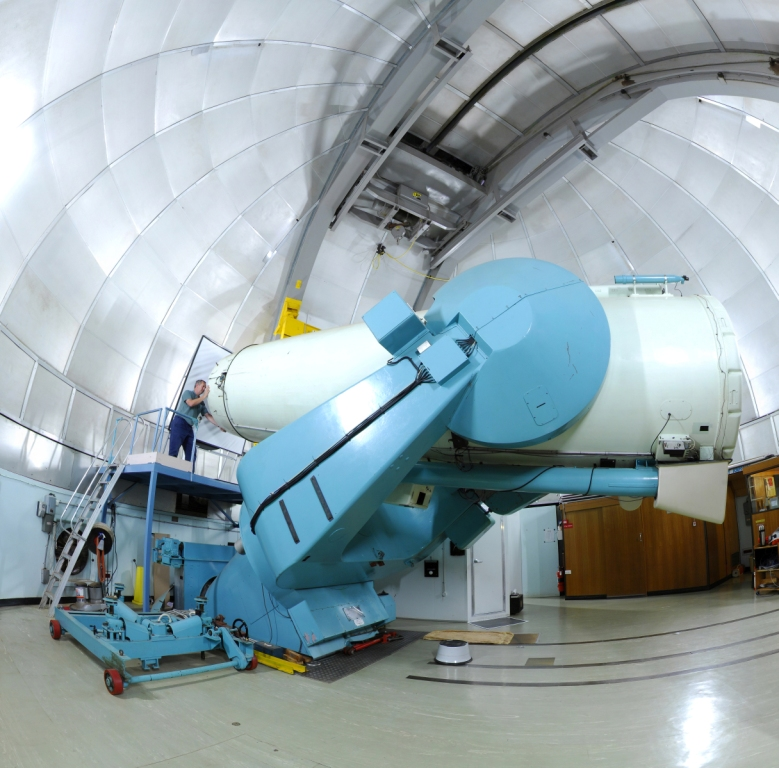 UK Schmidt telescope inside the dome. Image credit: Fred Kamphues